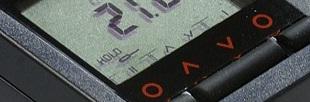 Thermomètre infrarouge compact (-35 à 900°C), émissivité réglable.Visée Laser en croix