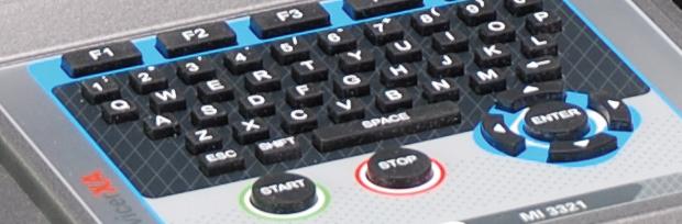Contrôleur d'appareillages fixes (machines à l'installation ou en vérification périodique) ou portables et tableaux électriques. Multifonctions
